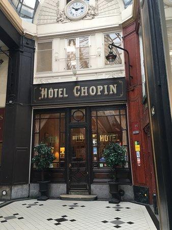 Hotel Chopin: L'entrée de l'hôtel