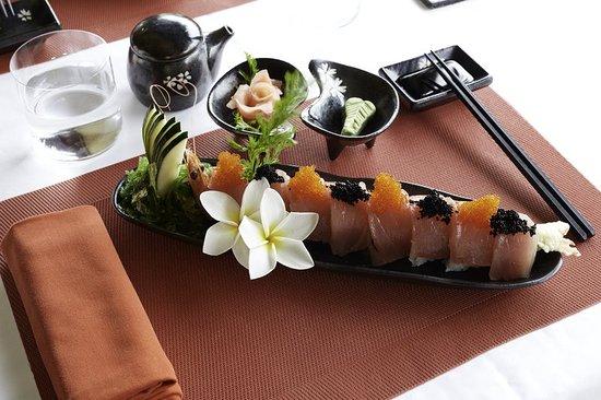 The St. Regis Bora Bora Resort: Restaurant
