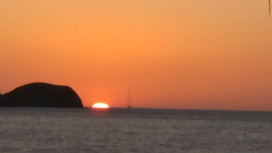 La Casita del Marisco: Sunset at Hermosa 🌴