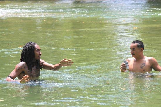 San Ignacio, Belize: Belizean enjoying the river!