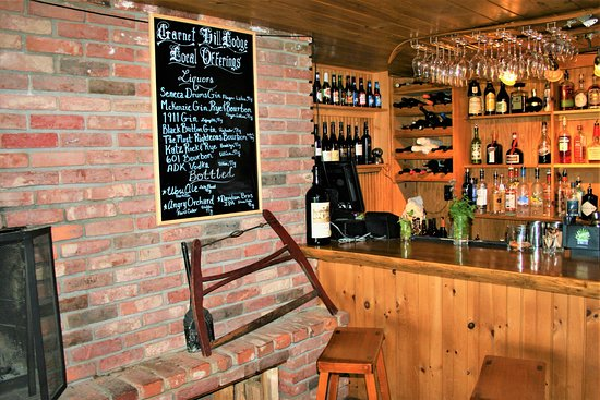 North River, Nowy Jork: Log House Pub