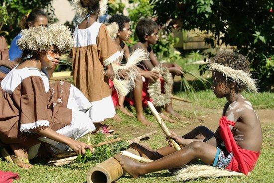 Danse traditionnelle Kanak, Nouvelle-Calédonie.
