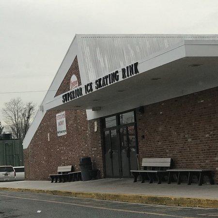 Kings Park, NY: Superior Ice Rink