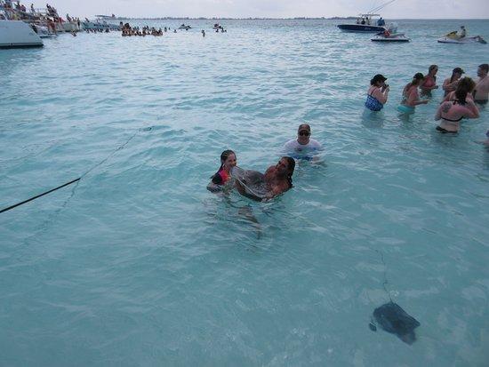 incontri con le isole Cayman ang incontri Daan dibattito febbraio 7 2014