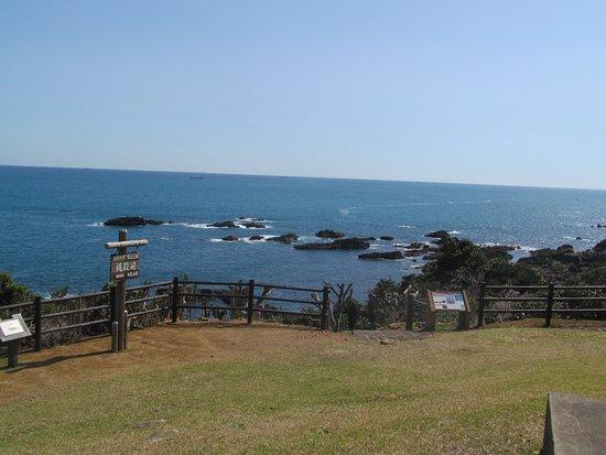 Kajitorizaki: 灯台周辺は公園として整備されている。