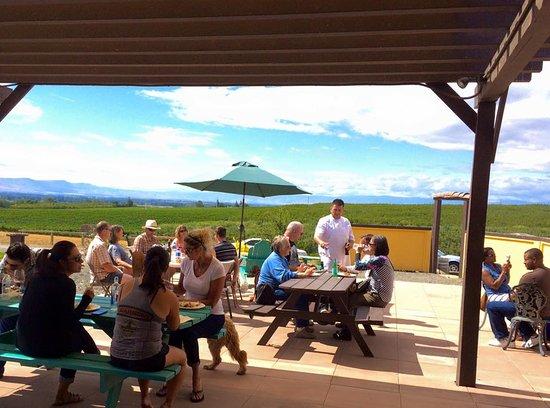 Zillah, WA: Awesome picnic patio