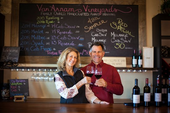 Zillah, WA: Owners, Allison and Kent, welcome you with a smile.