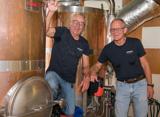 Kosciuszko Brewery: Chuck & Richard - Making the Pale Ale