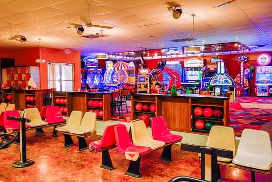 New Castle, IN: Enjoy bowling and/or arcade play.