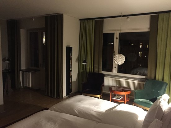 Hotel Rival Image