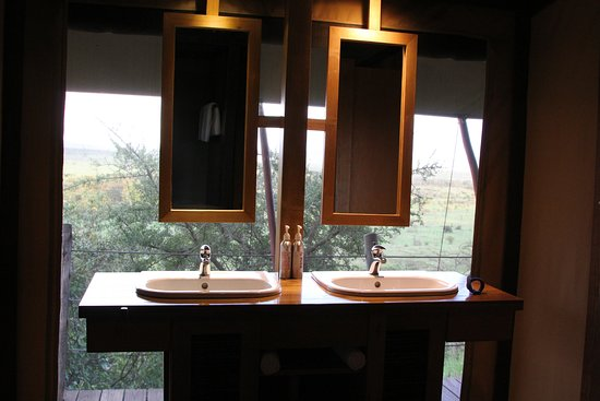 Eagle View, Mara Naboisho: Even a view while you brush your teeth
