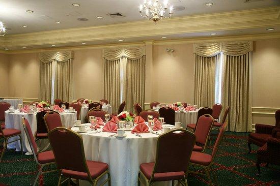 Chelmsford, MA: Ballroom