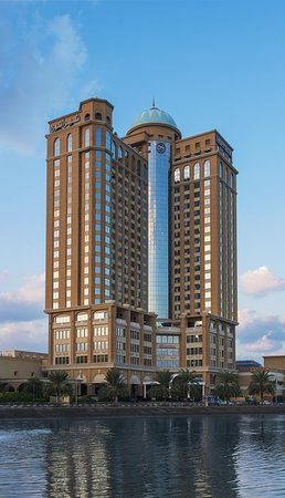 Sheraton Mall of the Emirates Hotel: Exterior