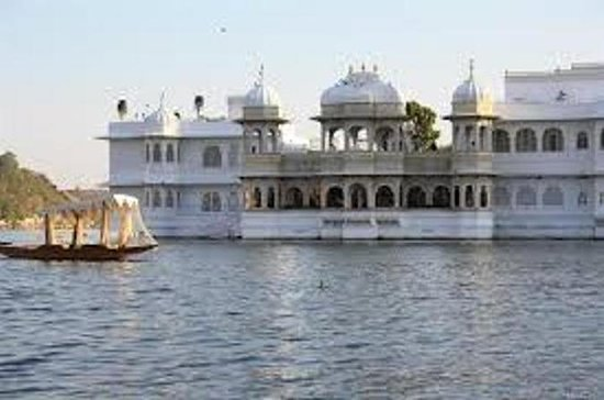 Udaipur Private Full-Day City ...