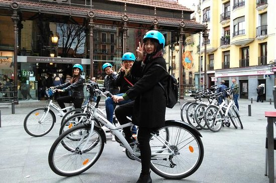 Madrid Fun and Sightseeing Bike tour...