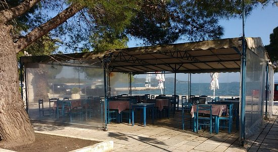 Vonitsa, Greece: Seaside Seating
