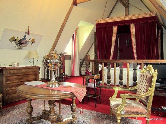 Planguenoual, France: chambre junior suite