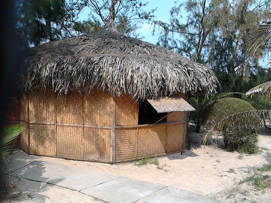 The Beach Bar Hue: Non a/c dorm