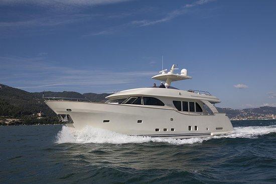 Dubai D3 Yacht