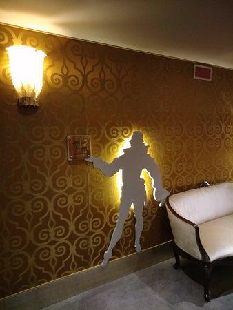 Couloir pour accéder à la chambre