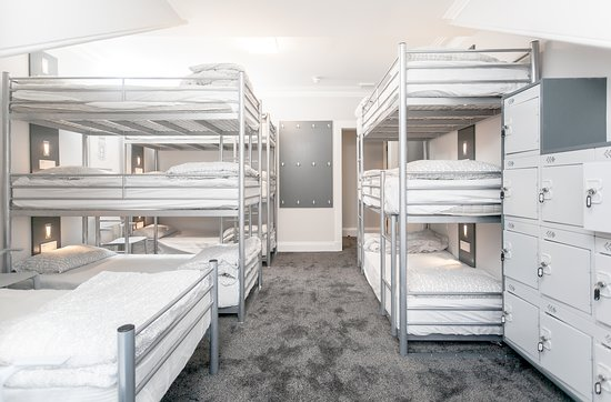 West End Hostel : 10 Bed female dormitory