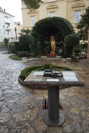 Madonna del Mare Statue