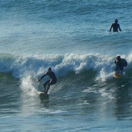 Ennis, أيرلندا: Surfing in Lehinch 30 mins from The Hotel