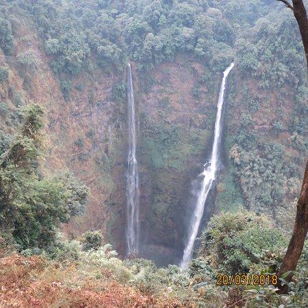 Paksong, Laos: les 2 chutes