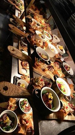 Lastingham, UK: ready for the off on our `Gourmet Night`!