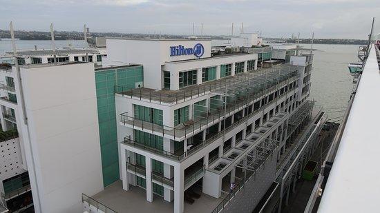 Hilton Auckland: Hilton from our cruise ship