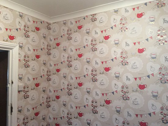 Arties Hotel: New feature wallpaper in the dining room.
