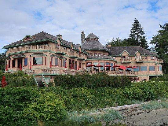 Painter's Lodge: The main lodge.
