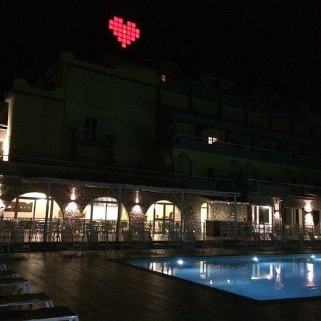 Art Hotel Gran Paradiso: Aussenansicht, Nacht