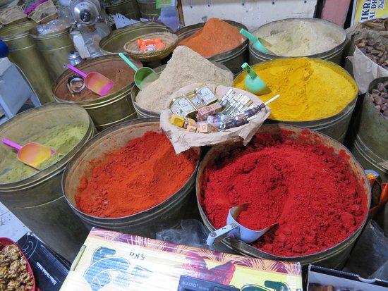 Marrakech Food Tours: A spice store.