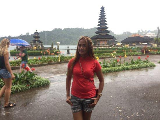 Gerokgak, Indonesia: Beratan Temple / Temple on The lake