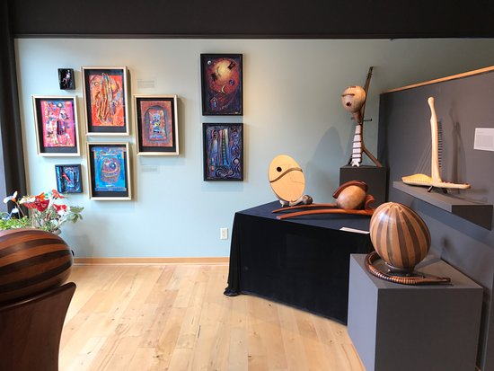 Prairie du Sac, WI: Artists Nancy Giffey and Enrique Rueda
