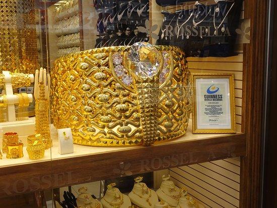 Dubai Gold Souk: Rekordowy pierścionek