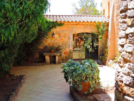 Montferri, Spain: Entrada principal.