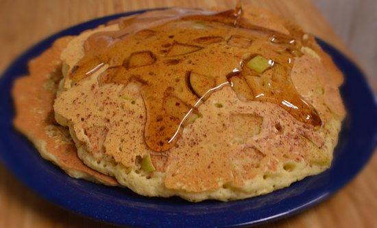 East Providence, RI: Cinnamon Apple Pancakes