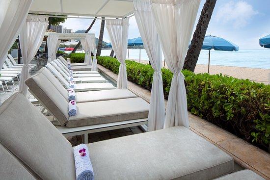Moana Surfrider, A Westin Resort & Spa, Waikiki Beach: Pool and Beach Cabana