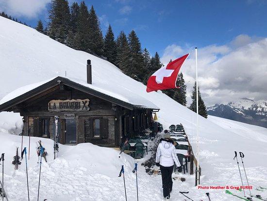 Torgon, Sveits: La Bourri dans le TOP 7 des meilleurs restaurants des Portes du Soleil (CH) par FamilySkiTrips.c