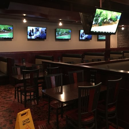 Hartland, MI: black rock bar and grill