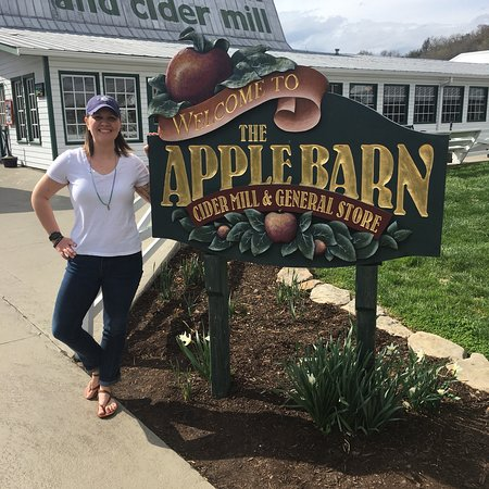 The Apple Barn Cider Mill And General Store : photo3.jpg