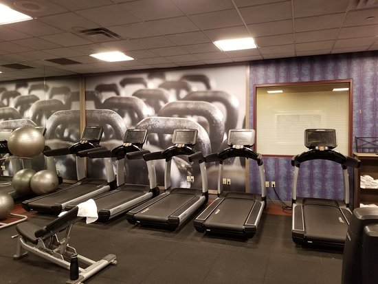 Cincinnati Airport Marriott: Treadmills