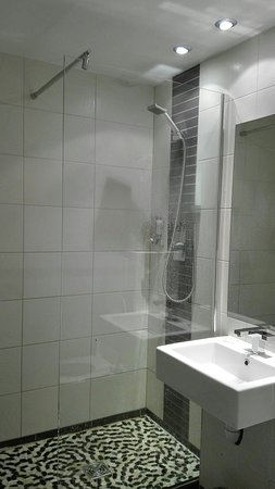 Halt Hotel : IMG_20180328_223133_large.jpg