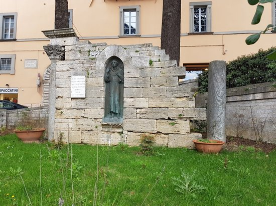 Monumento a Jacopone da Todi