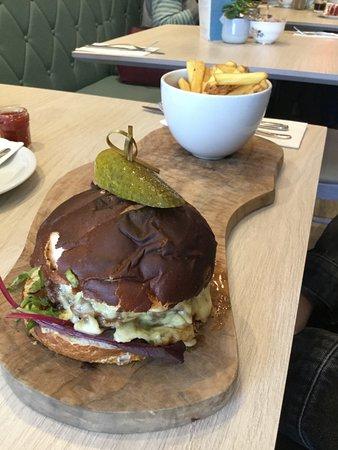 Eccles, UK: Smoked Burger