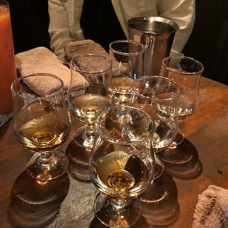 Deep Osaka All-Inclusive Nighttime Foodie Cultural Experience: Whiskey flight with tasting notes from Kevin.