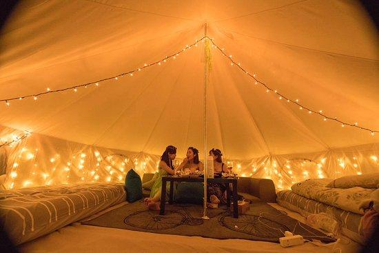 Half Glamping Hoshioto: テント内は各棟違って楽しめます。
