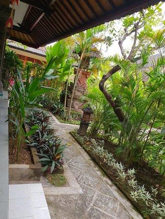 Bali Wirasana Hotel : 20180326_105014_large.jpg